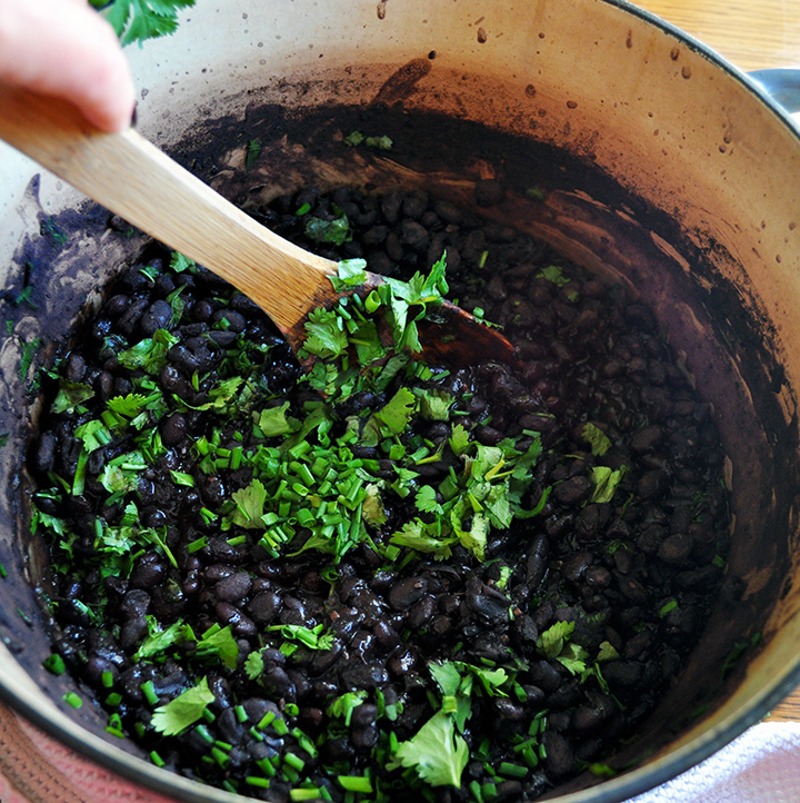 Homemade black beans in the slow cooker or on the stovetop