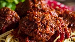 Homemade Meatballs in Marinara Sauce {Italian Style Recipe}