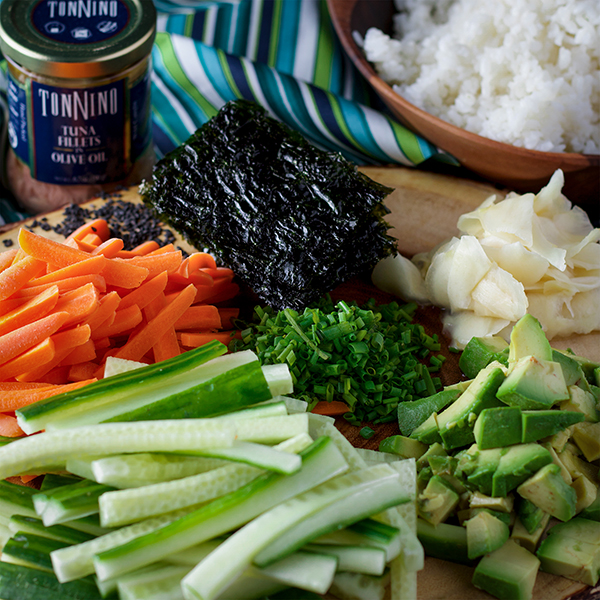 The ingredients to make Simple Tuna Sushi Bowls